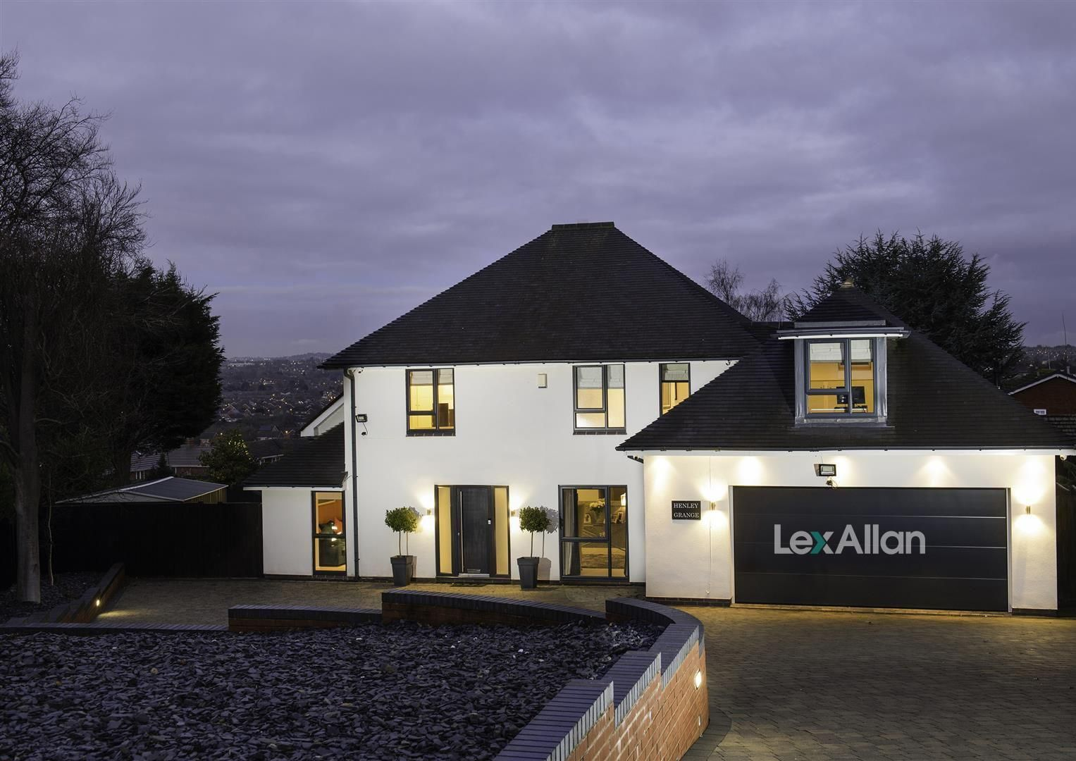 4 bed detached for sale in Stourton 1