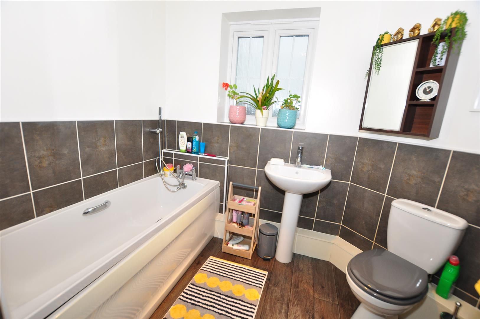 2 bed flat for sale 11
