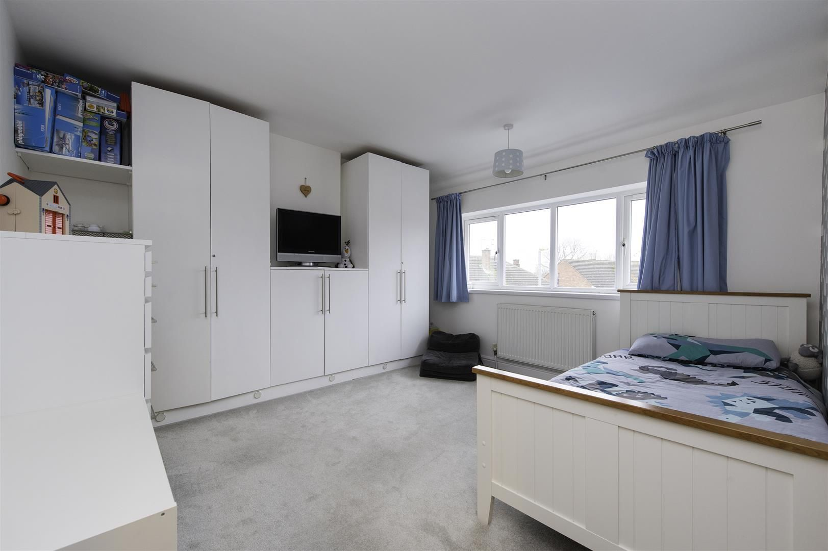 4 bed semi-detached for sale 29
