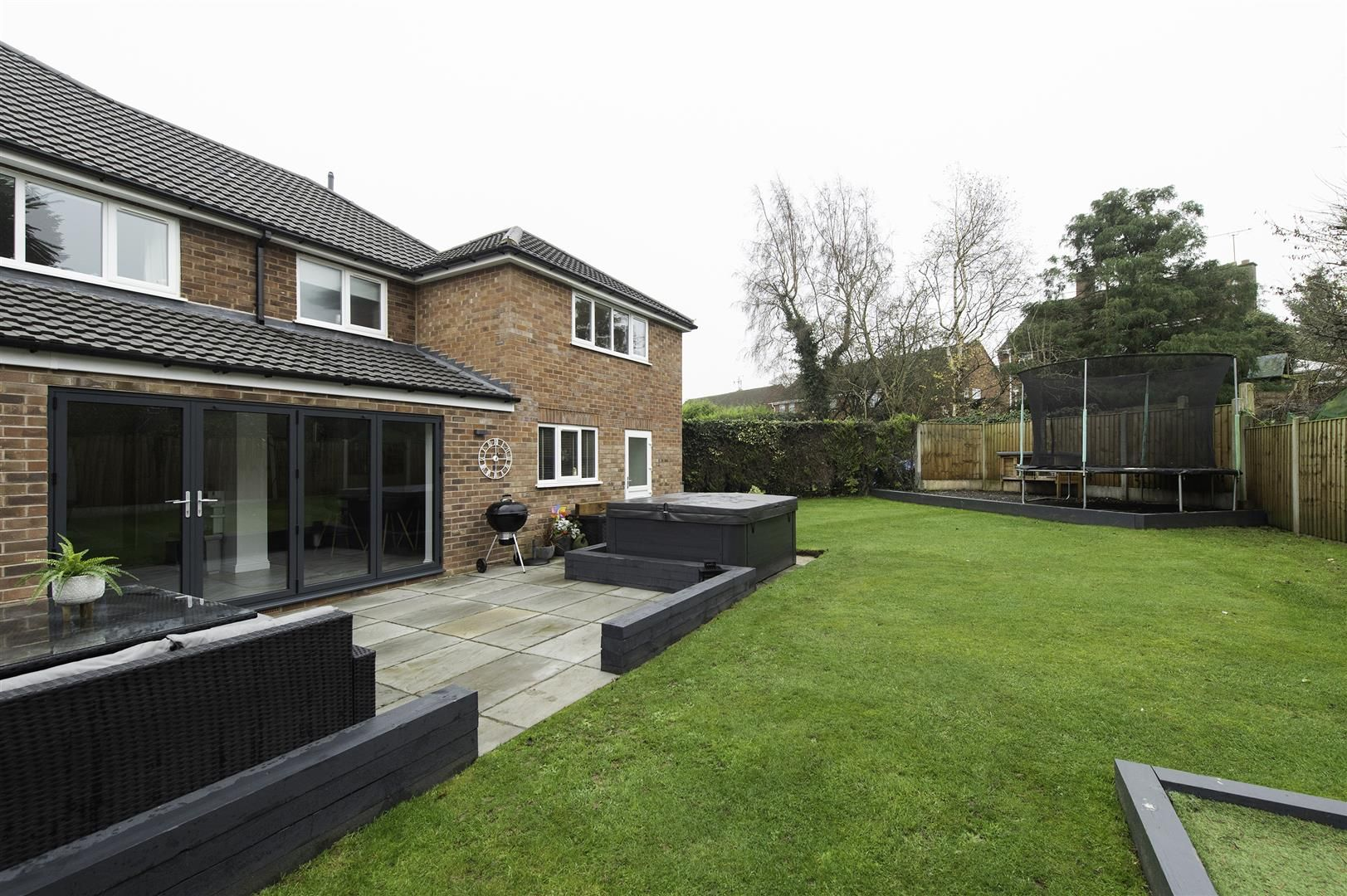 4 bed semi-detached for sale 35