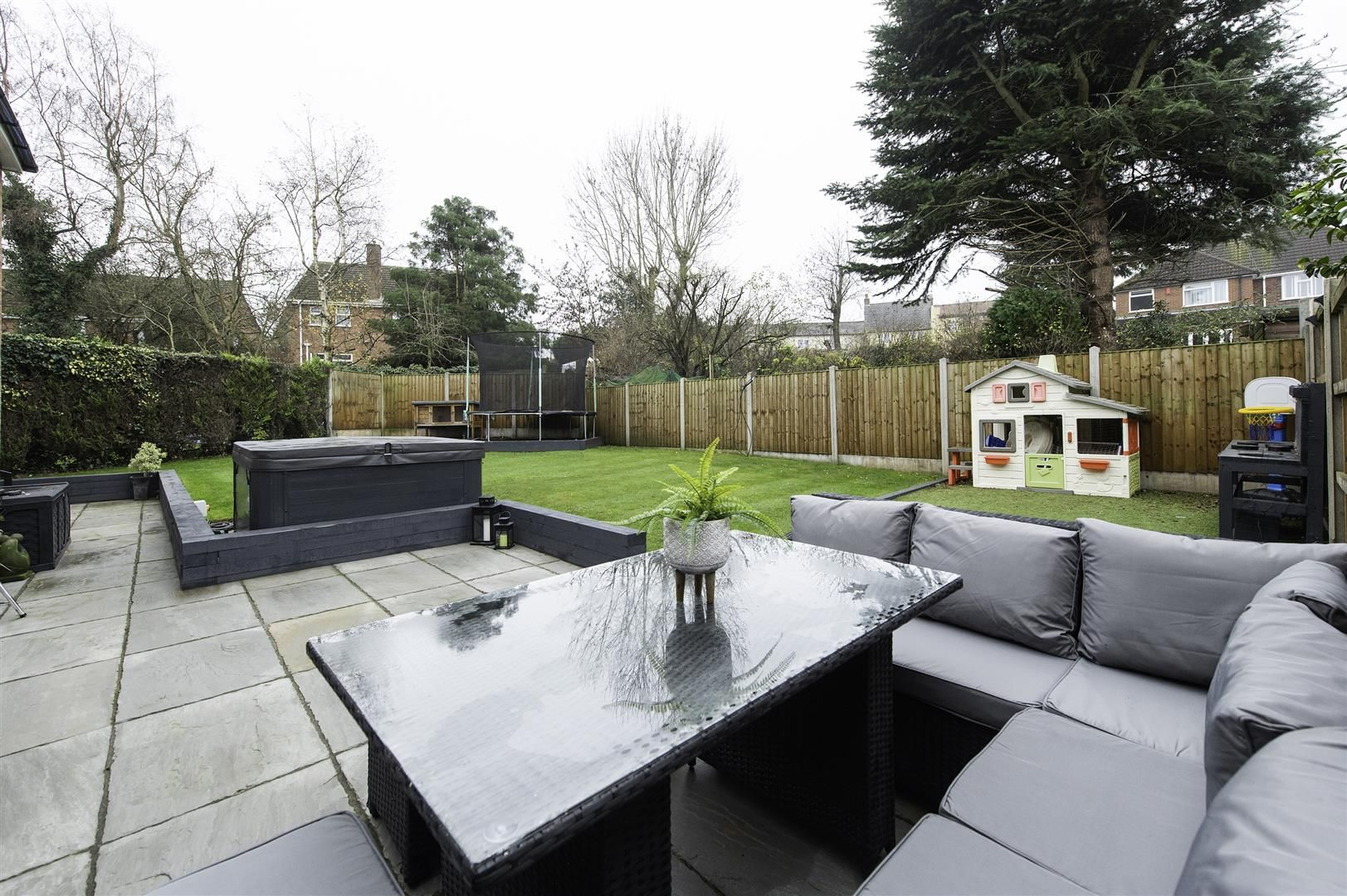4 bed semi-detached for sale 36