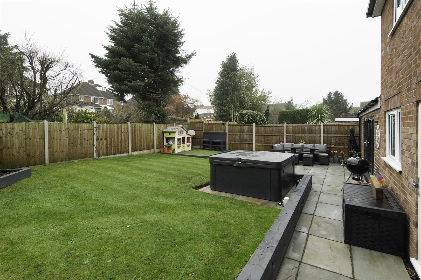 4 bed semi-detached for sale 40