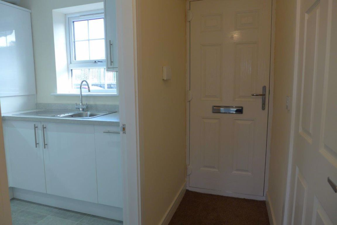 2 bed  to rent in Lye  - Property Image 4