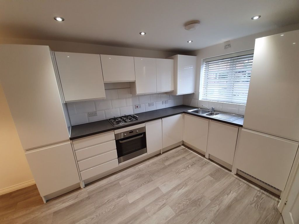 3 bed  to rent in Wollaston 2