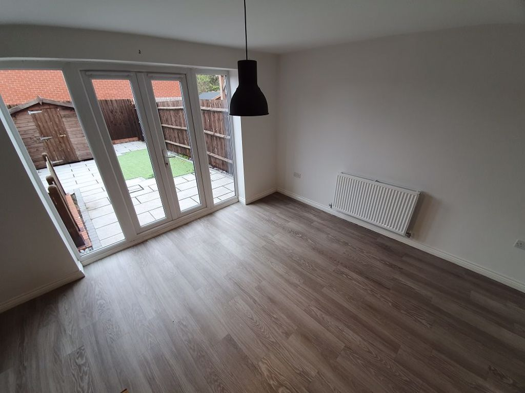 3 bed  to rent in Wollaston 3