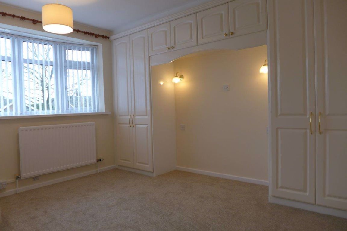 2 bed  to rent in Pedmore 12