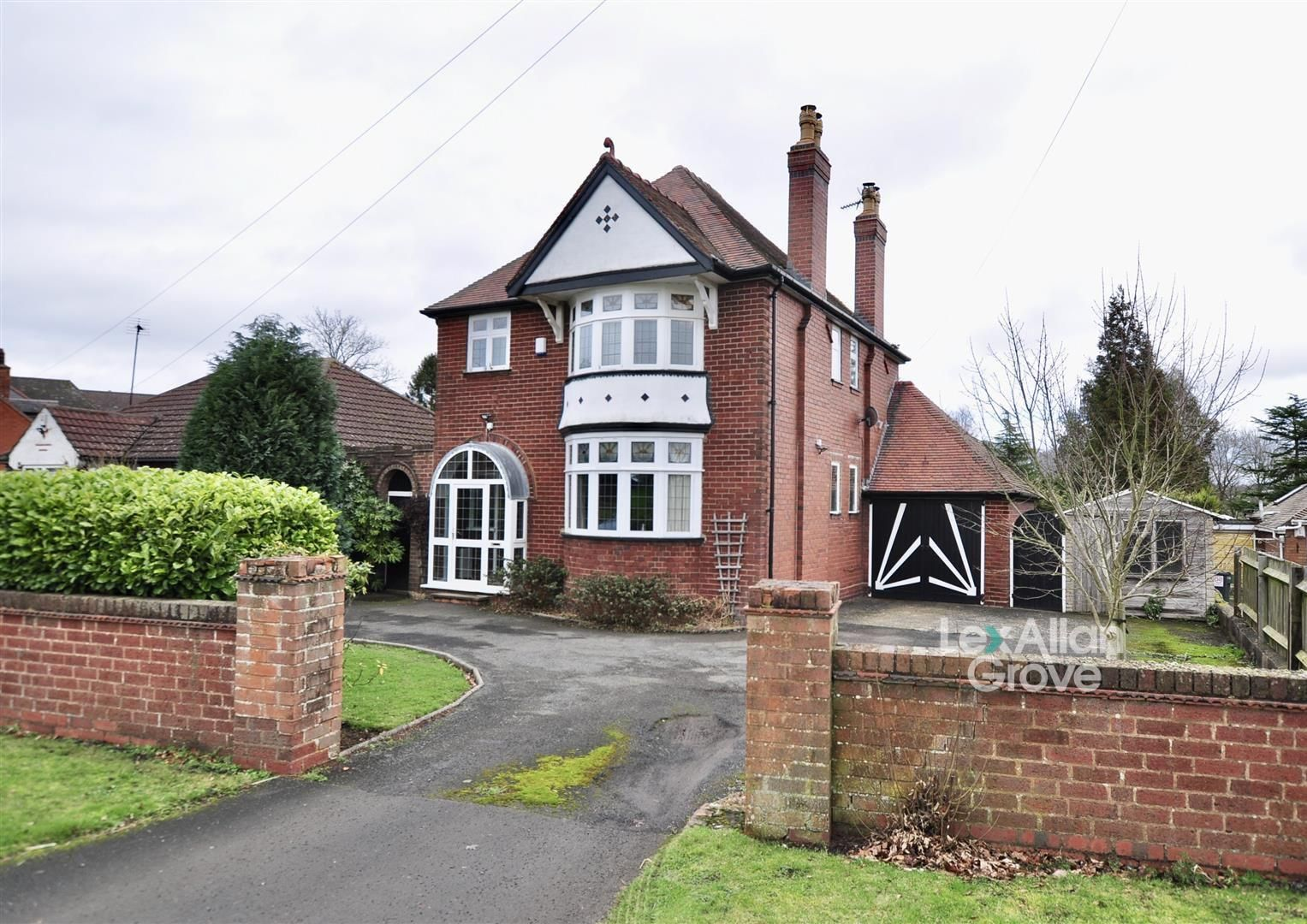 3 bed detached for sale in Hunnington, B62