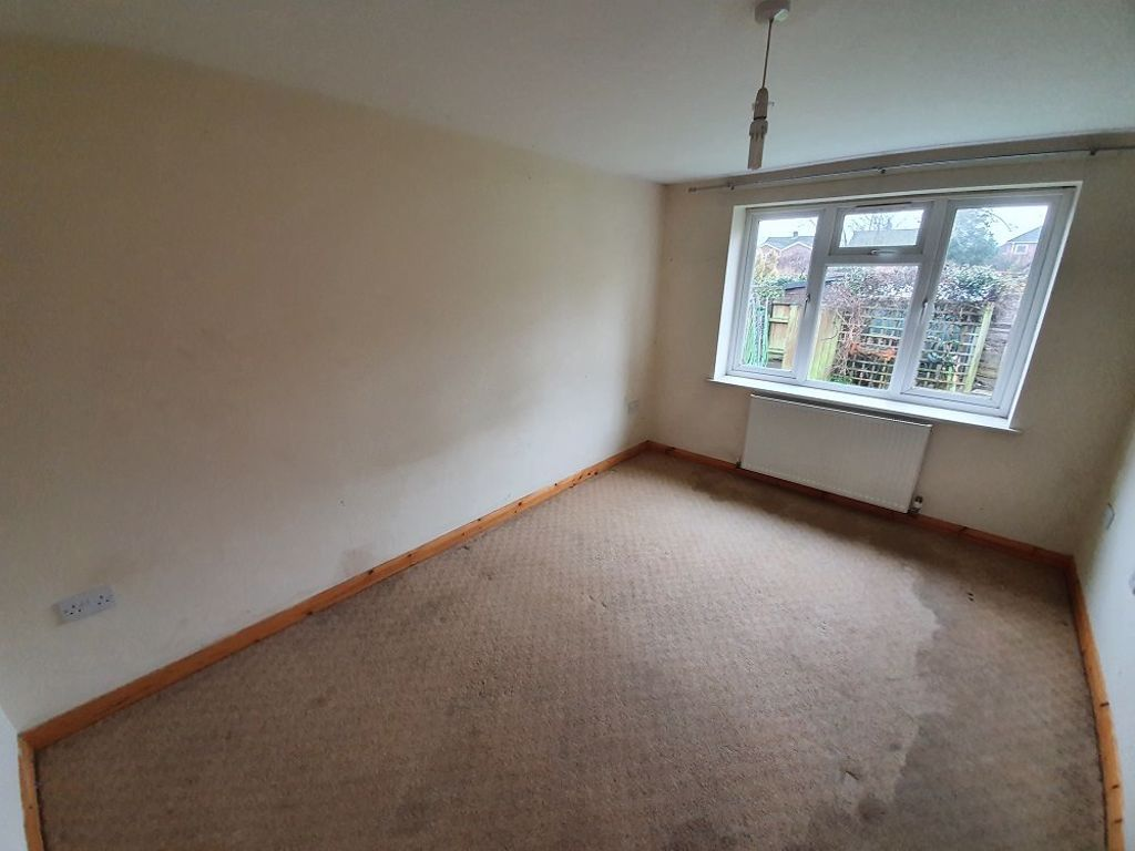 2 bed  to rent in Station Road, 5