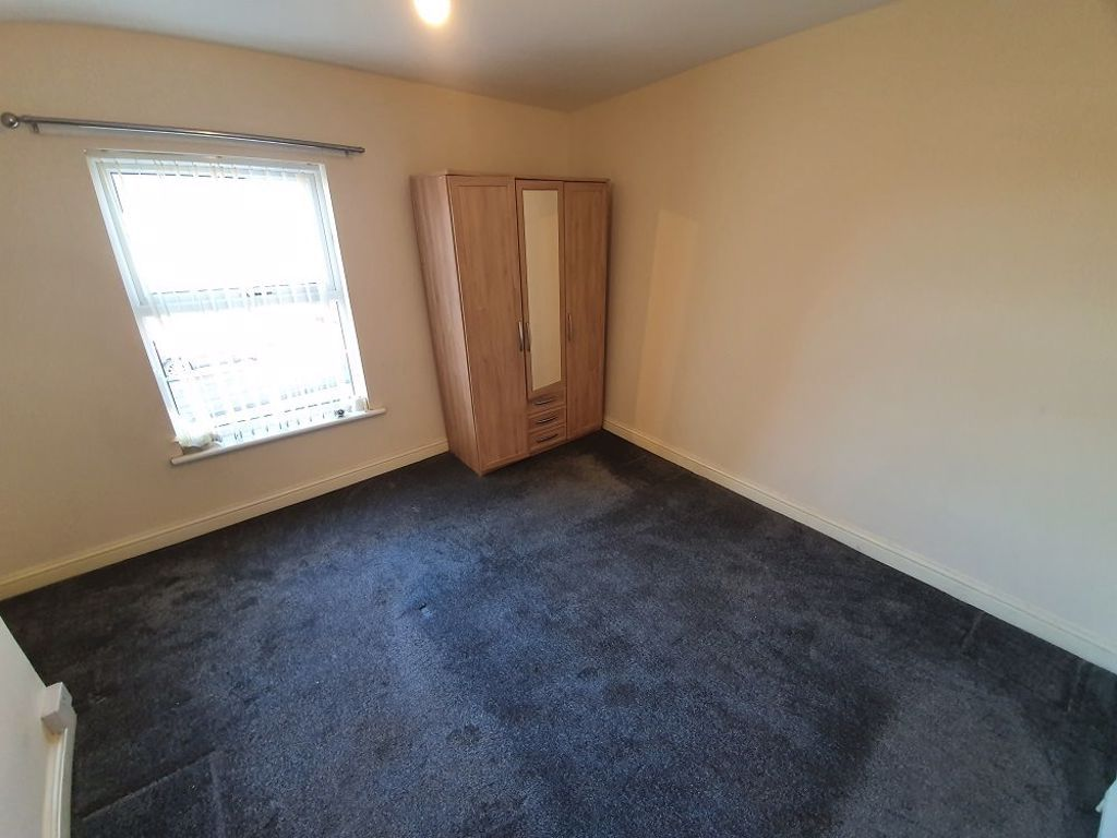 2 bed  to rent in Lye  - Property Image 5