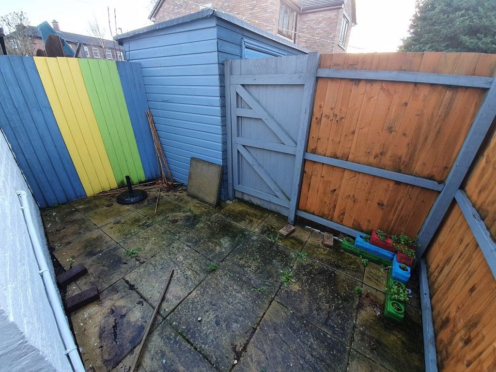 2 bed  to rent in Lye  - Property Image 8