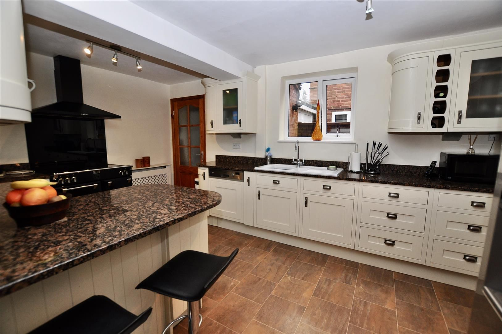 3 bed semi-detached for sale in Hagley 6