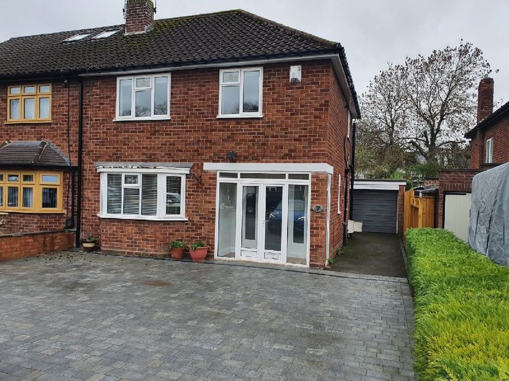3 bed  to rent in Oldswinford, DY8