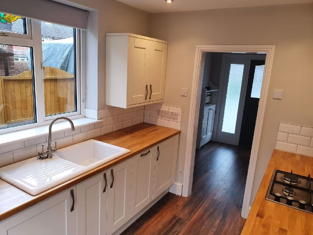 3 bed  to rent in Oldswinford 3