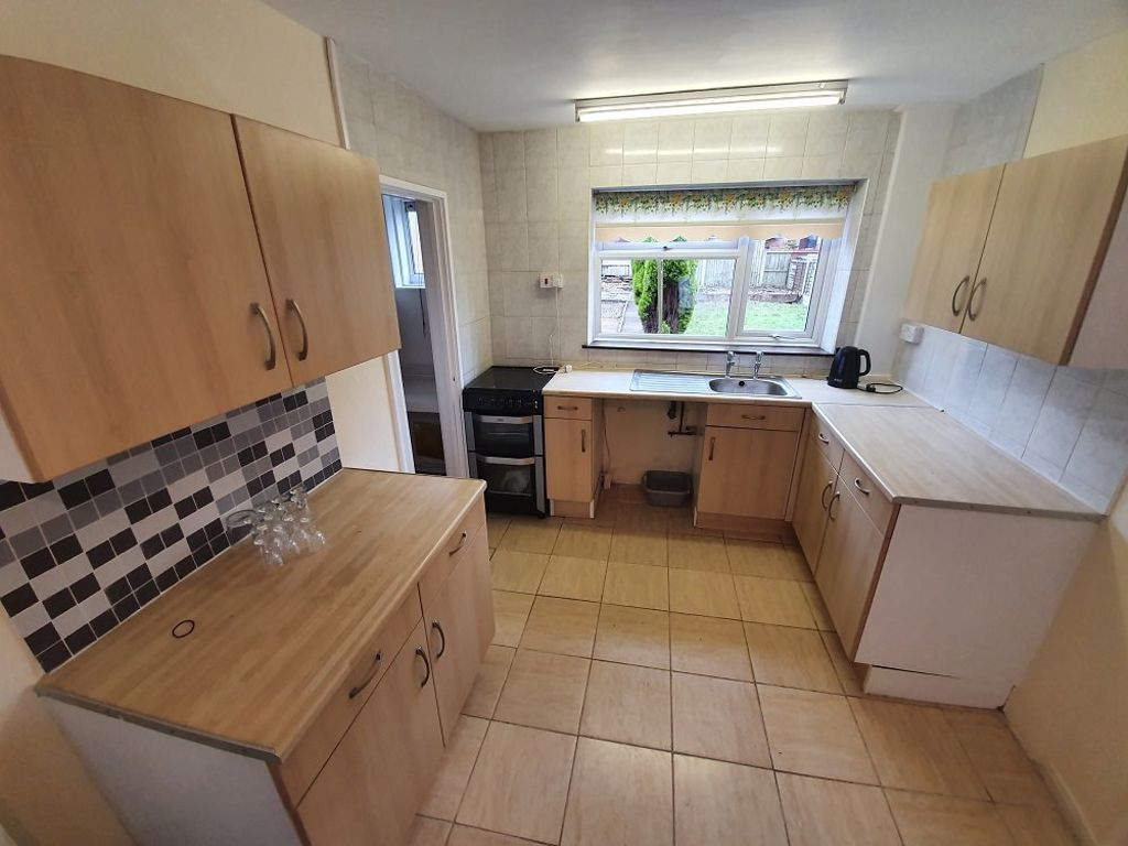 3 bed  to rent 4