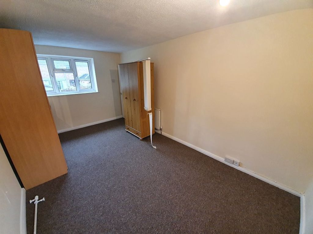 3 bed  to rent  - Property Image 6