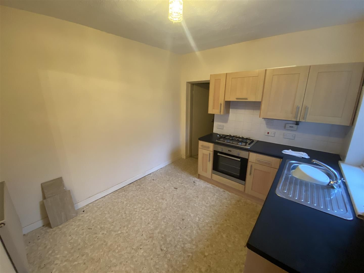 2 bed house for sale 15