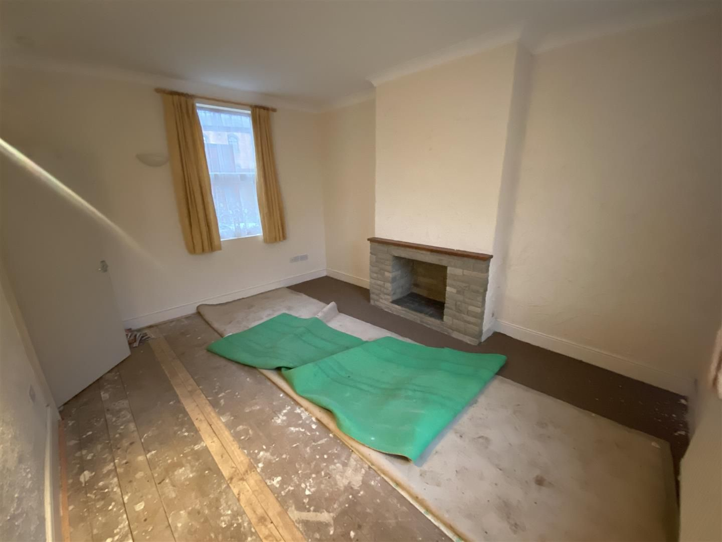 2 bed house for sale 16