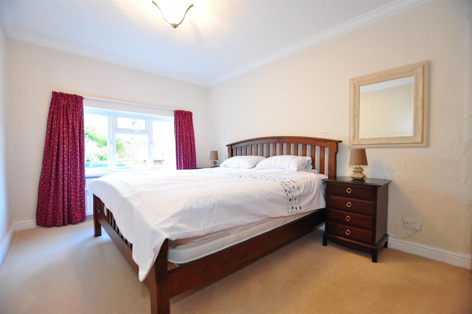 3 bed detached-bungalow for sale 10