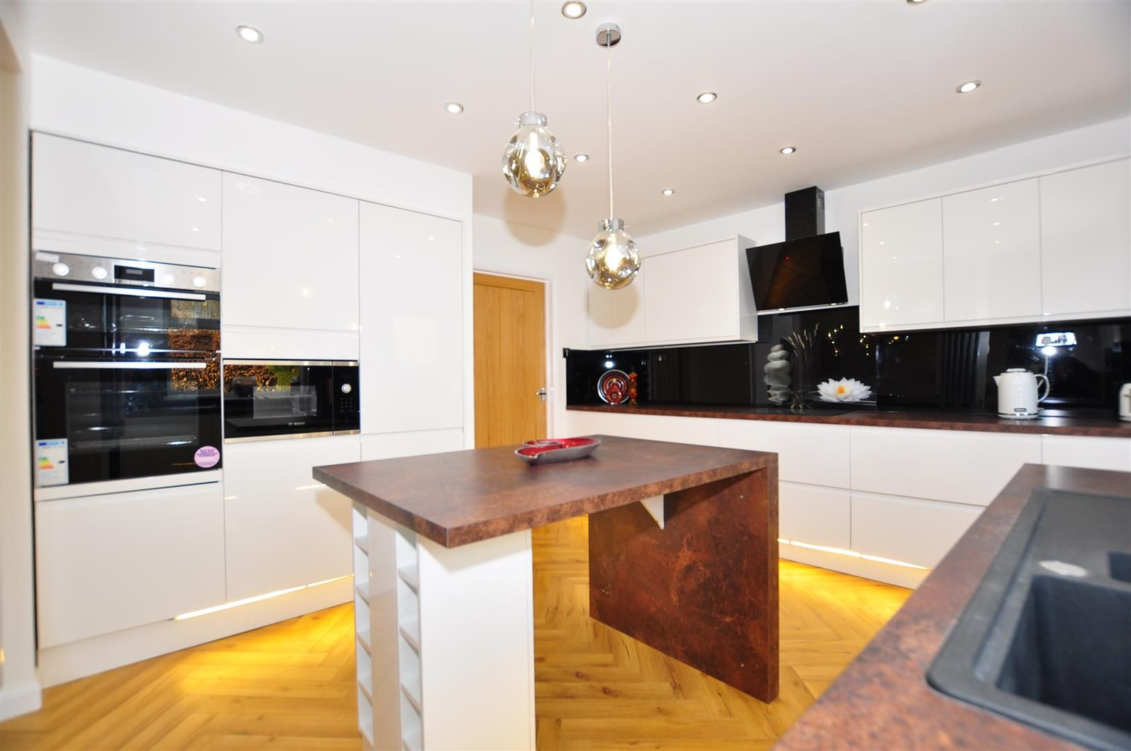 3 bed house for sale  - Property Image 8