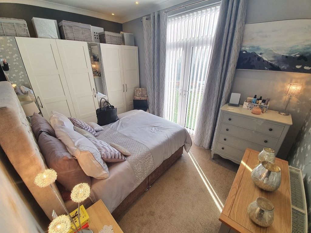 2 bed  to rent 3