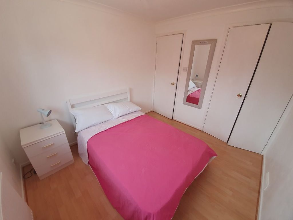 1 bed  to rent in Halesowen,  - Property Image 4