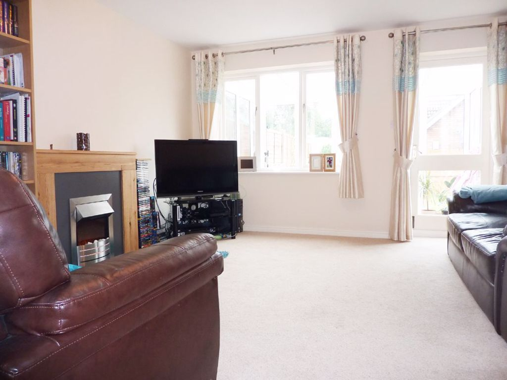 2 bed  to rent in Wollaston 3