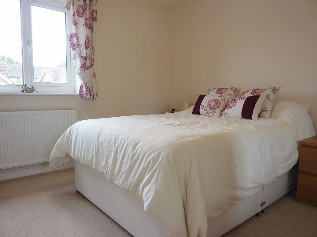2 bed  to rent in Wollaston 4