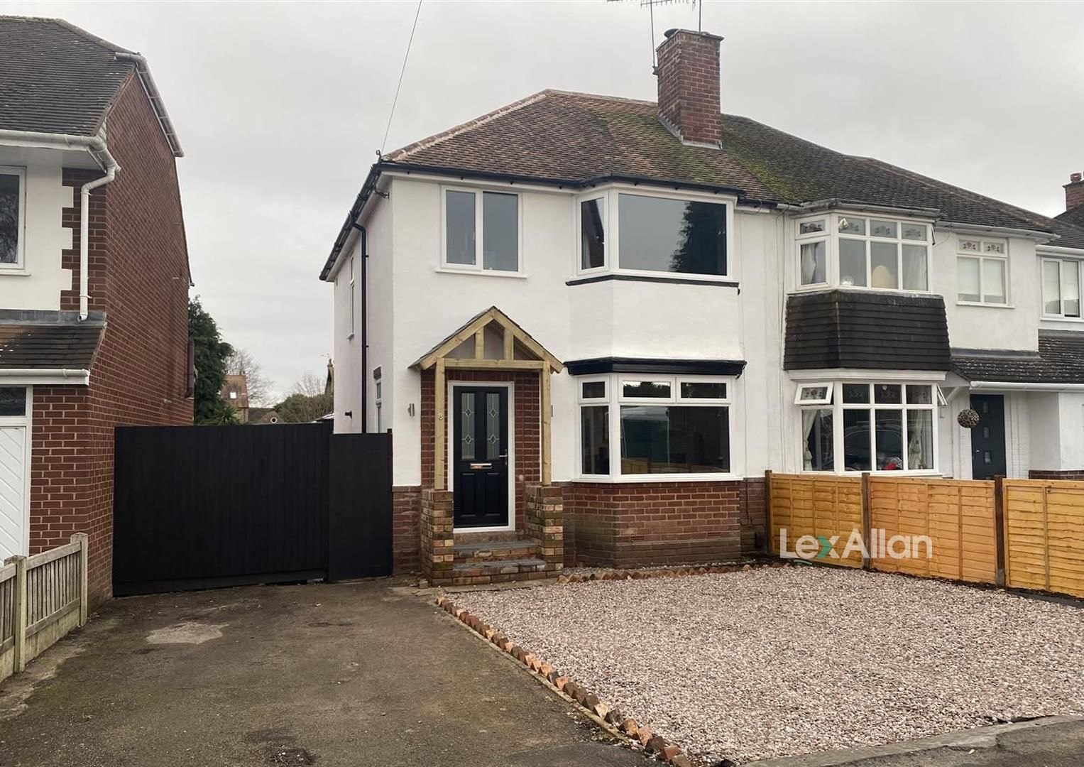 3 bed semi-detached for sale, DY8