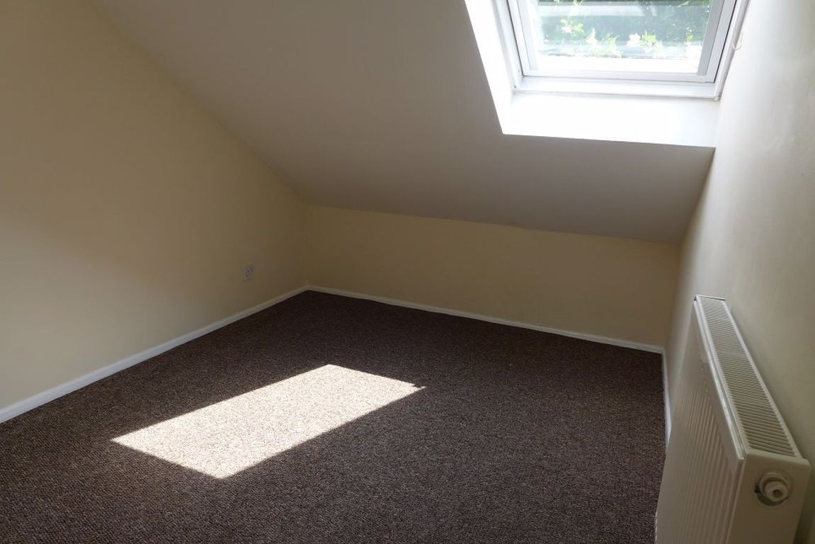 2 bed  to rent 11