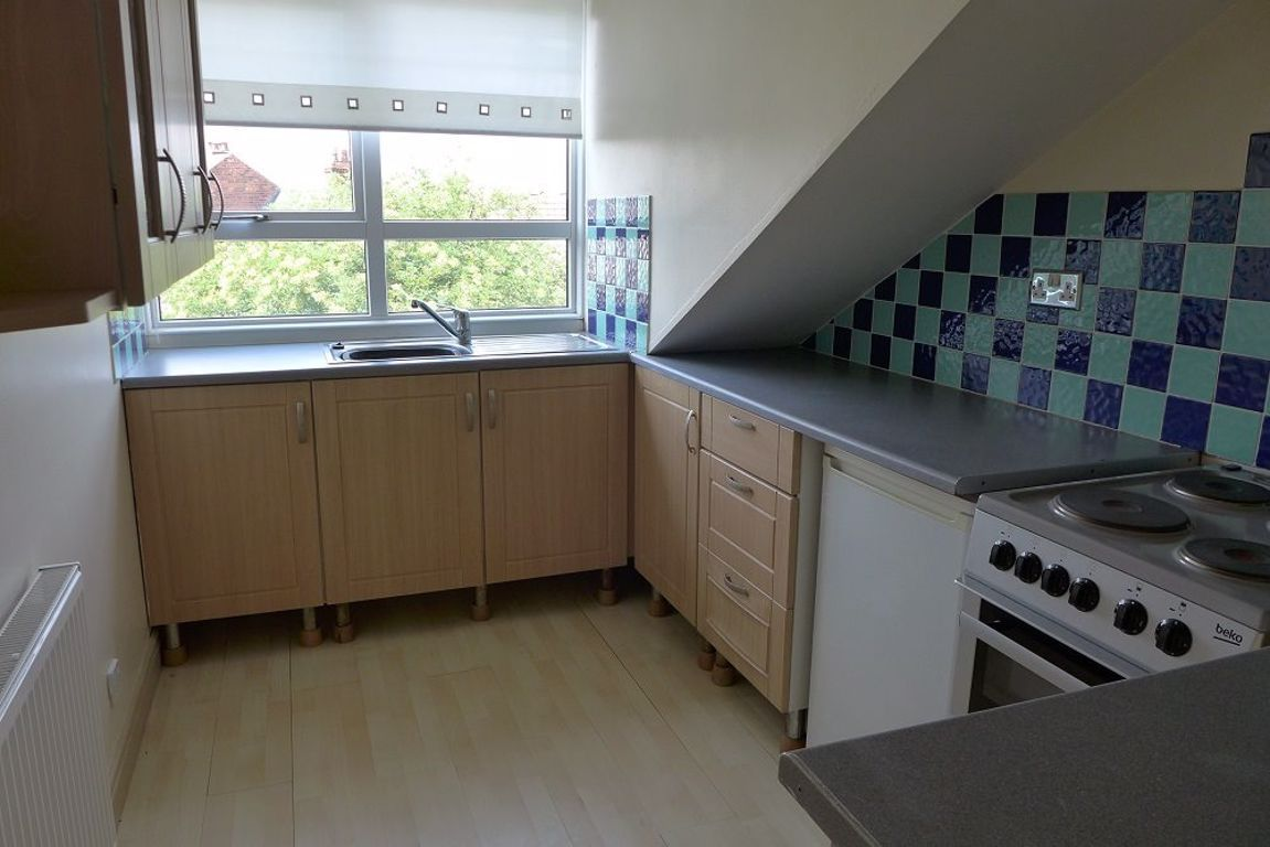 2 bed  to rent  - Property Image 3