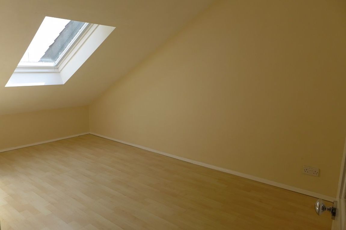 2 bed  to rent  - Property Image 9