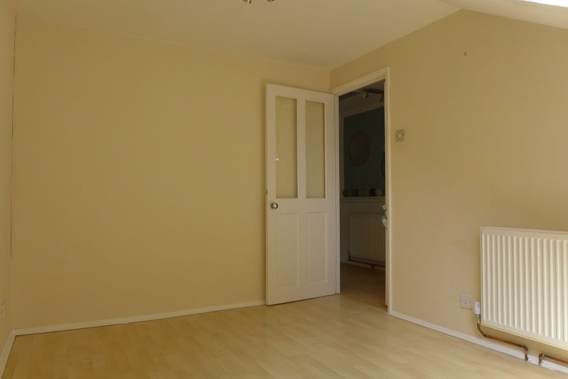 2 bed  to rent 10