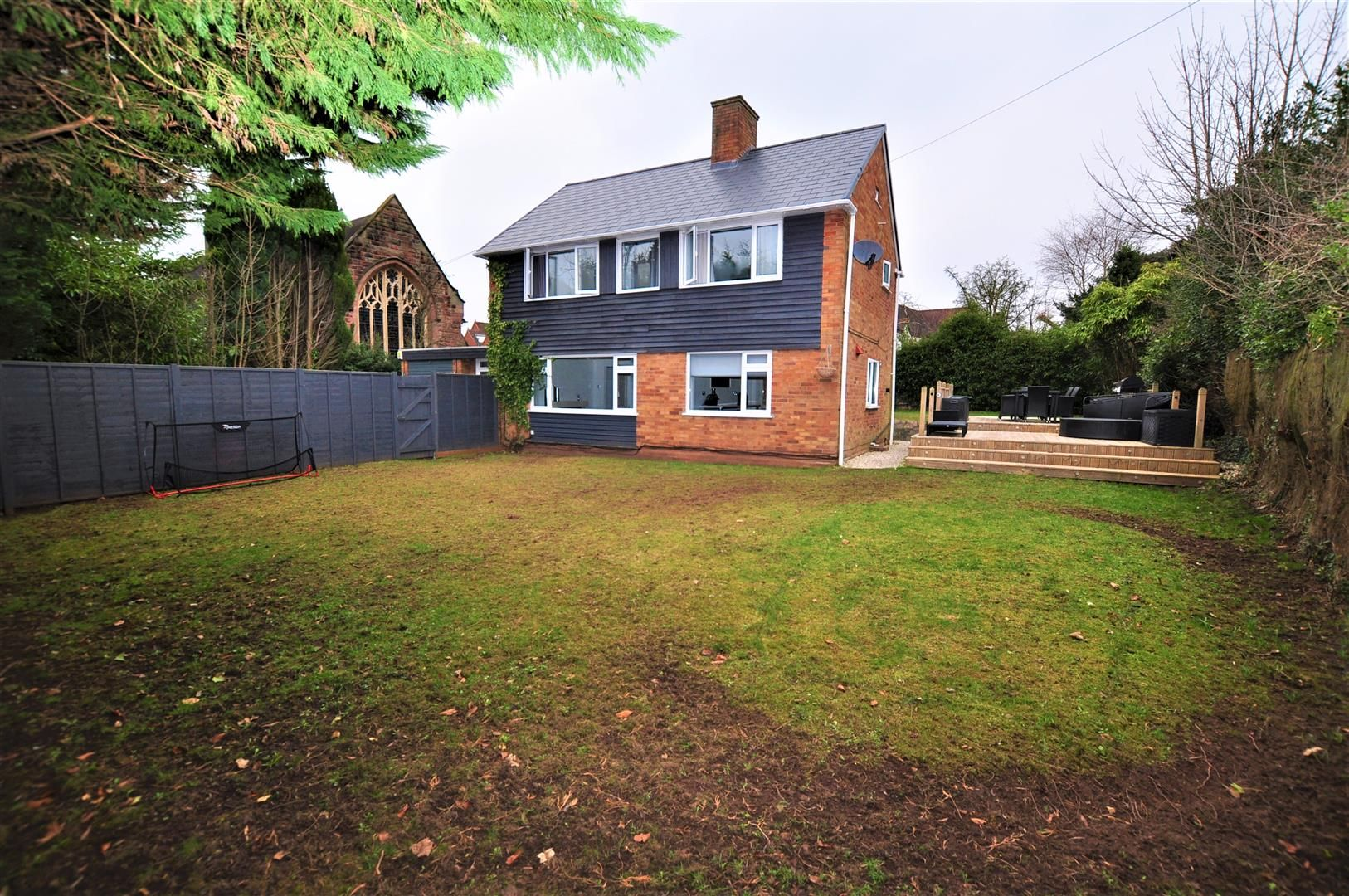 3 bed detached for sale in Hagley 17
