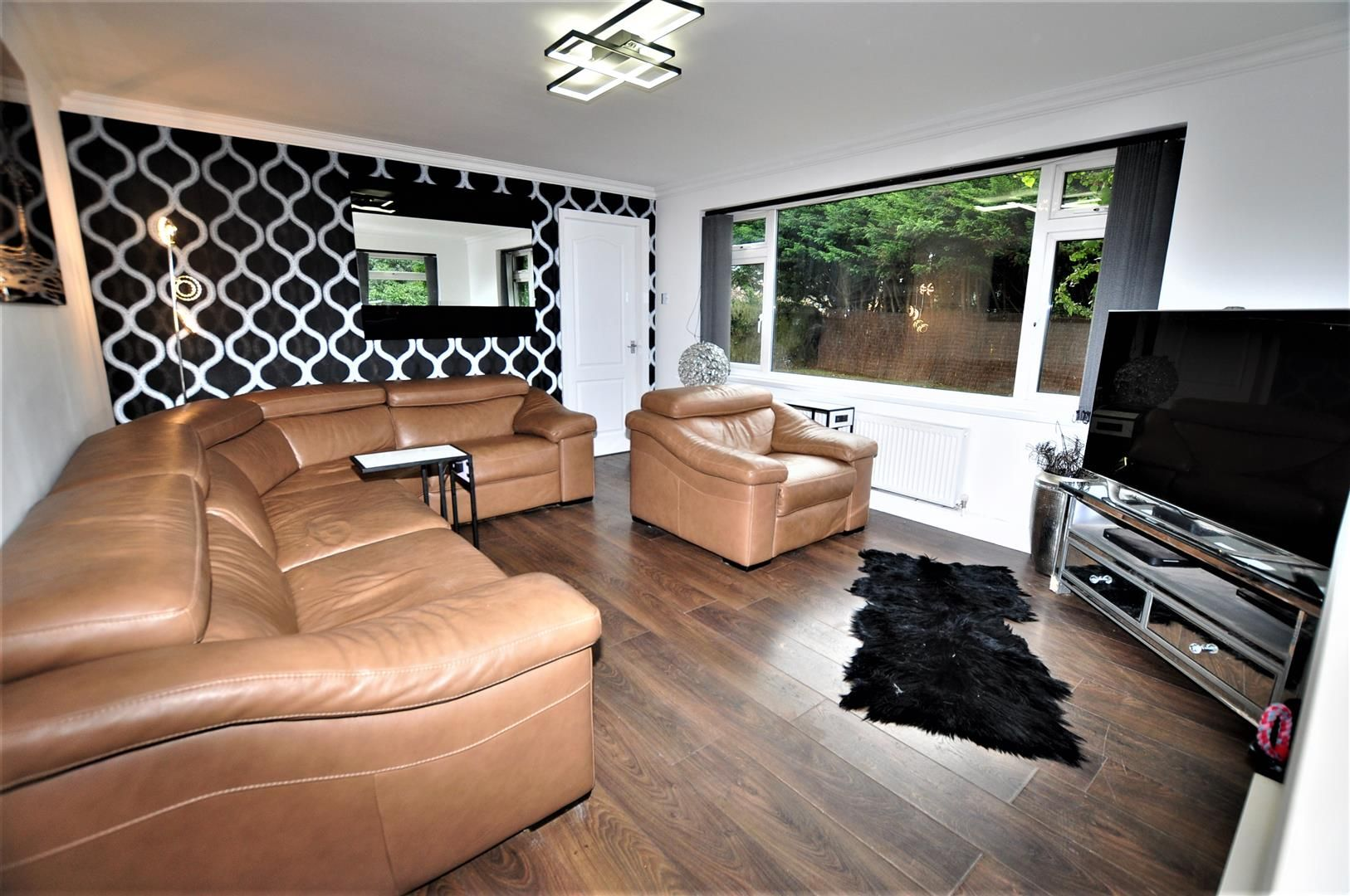3 bed detached for sale in Hagley 5