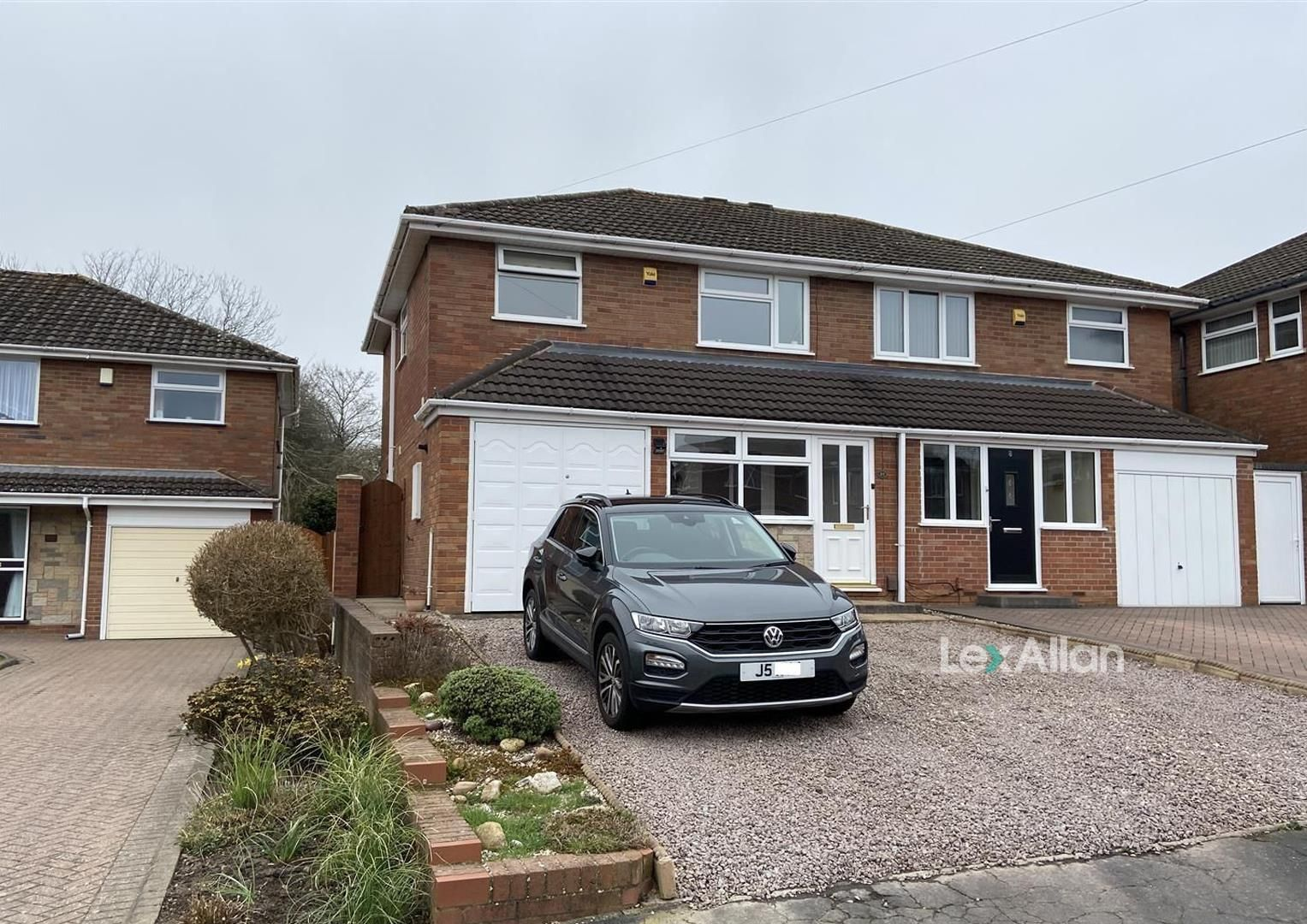 3 bed semi-detached for sale, DY5