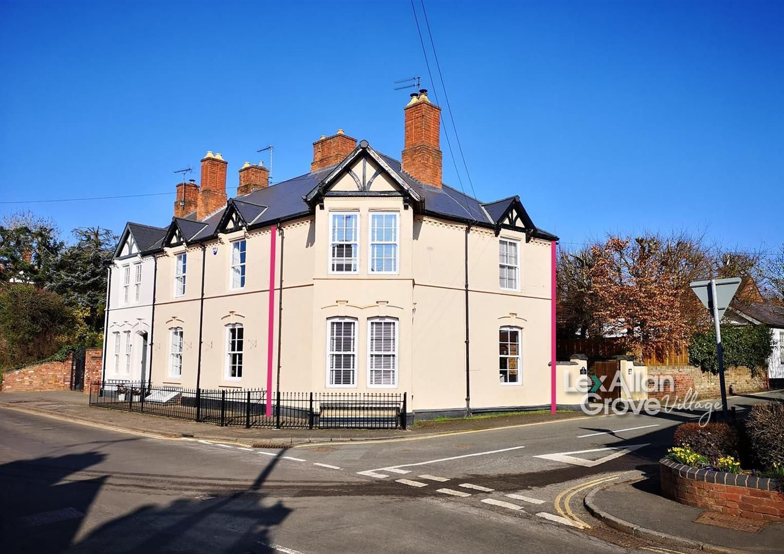 3 bed semi-detached for sale in Clent, DY9
