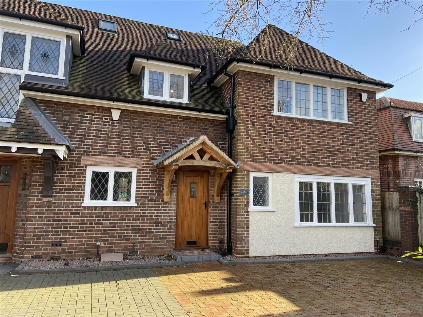 3 bed town-house for sale  - Property Image 2