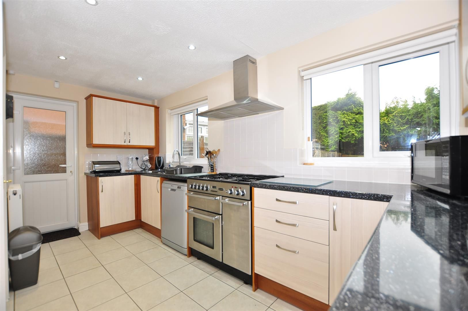 4 bed detached for sale  - Property Image 8