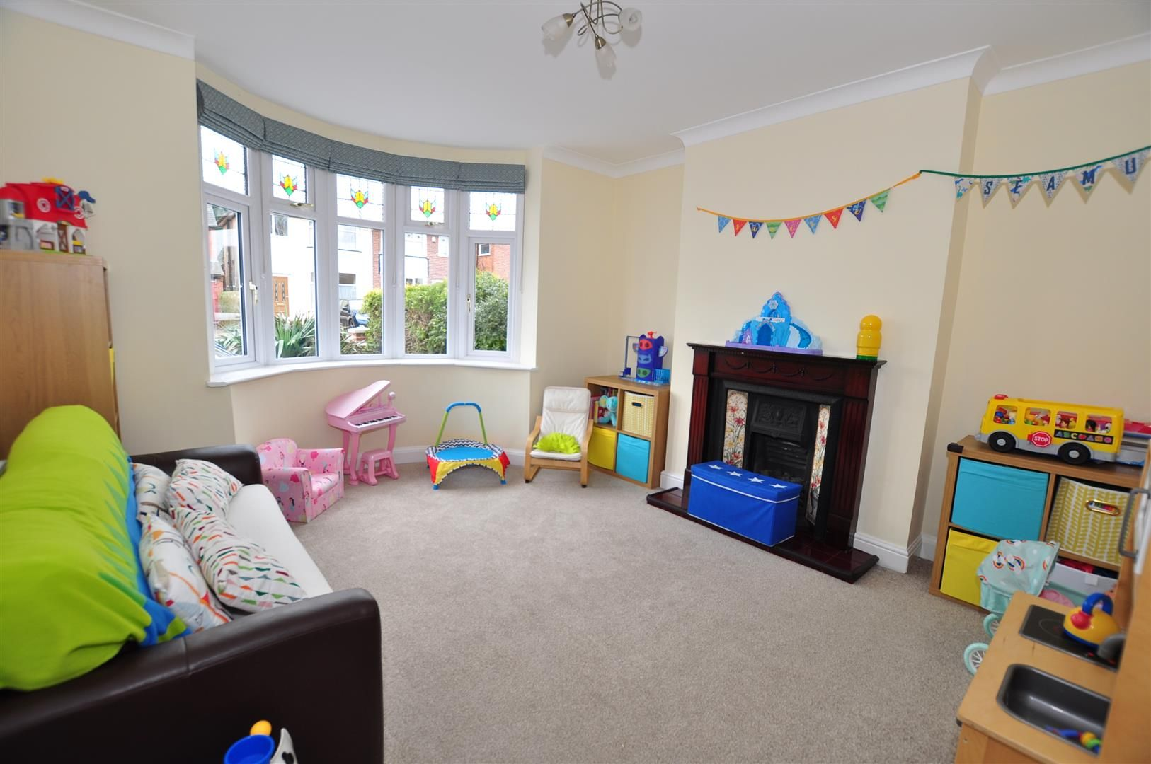 4 bed semi-detached for sale 11