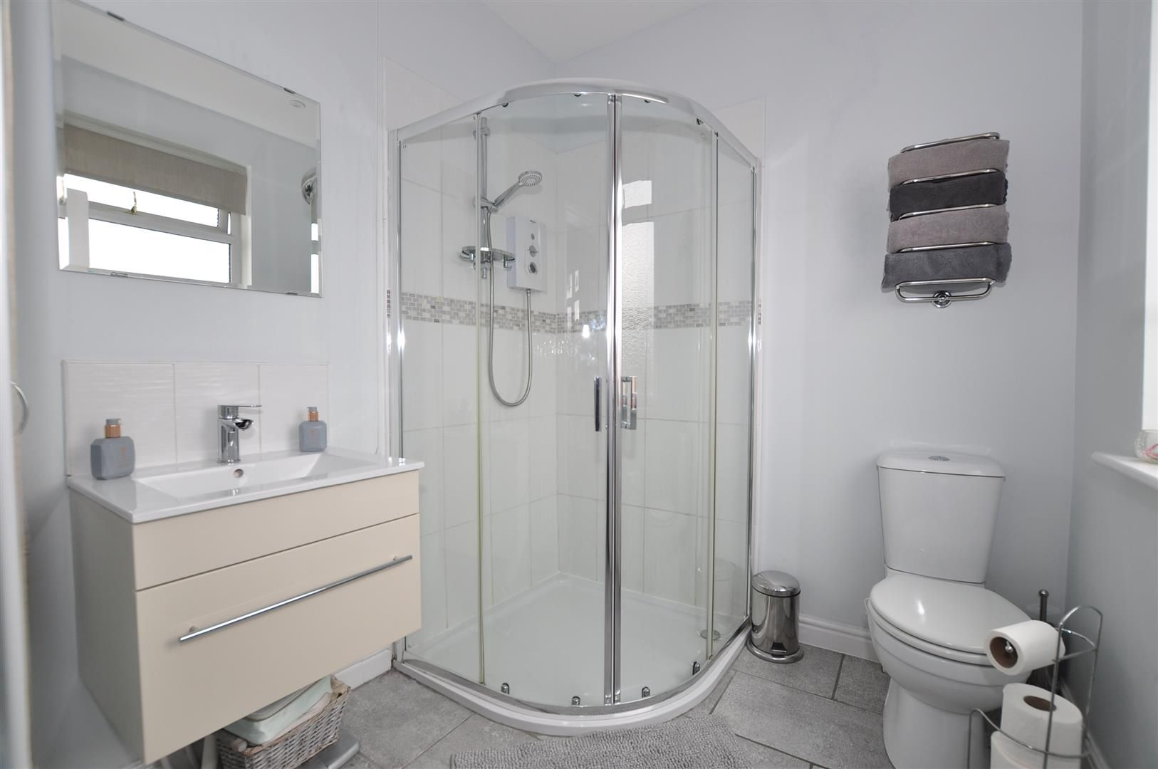 4 bed semi-detached for sale 14