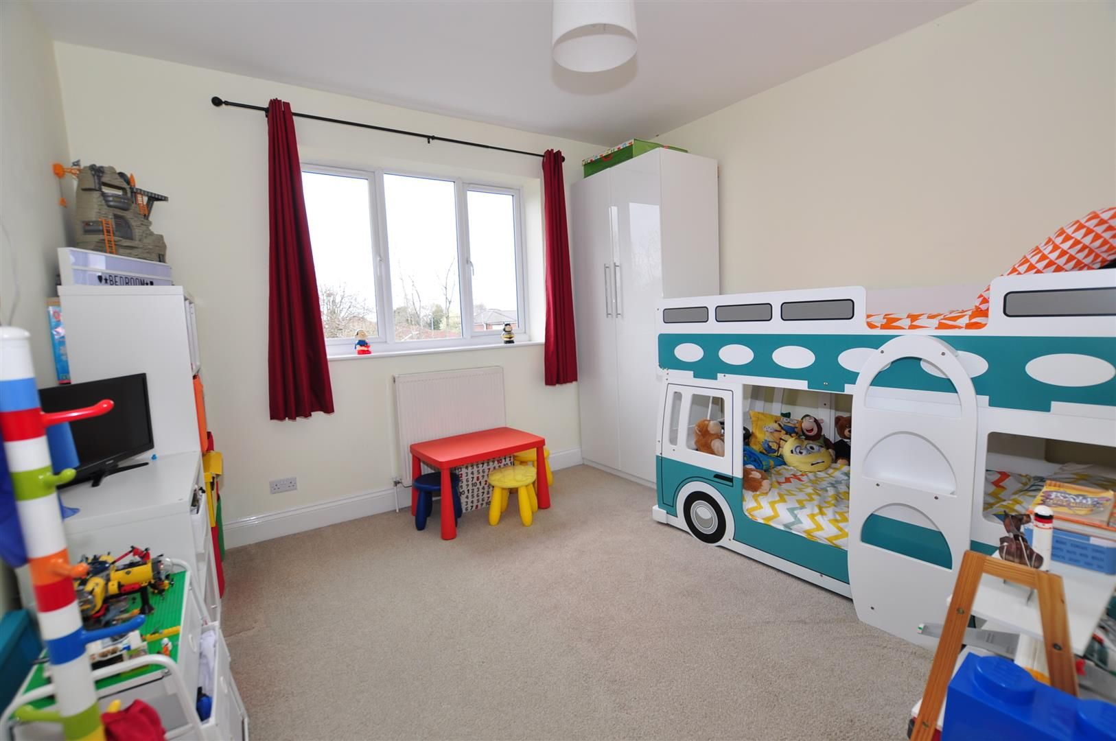 4 bed semi-detached for sale  - Property Image 18