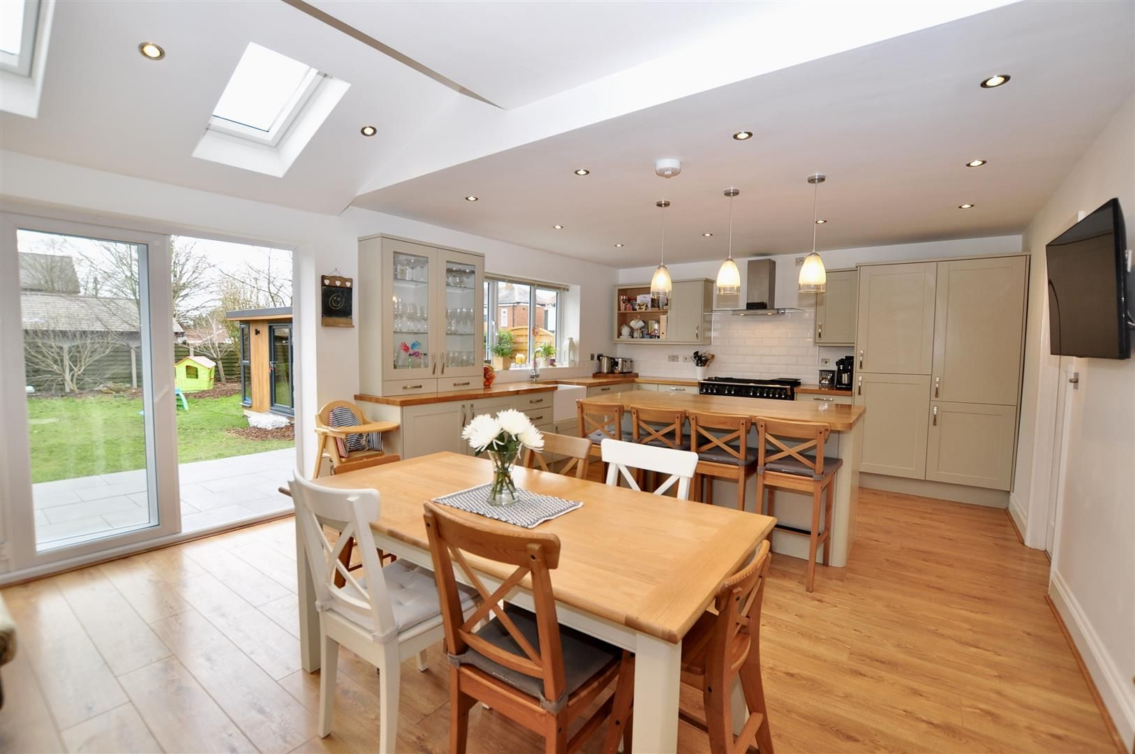 4 bed semi-detached for sale 3