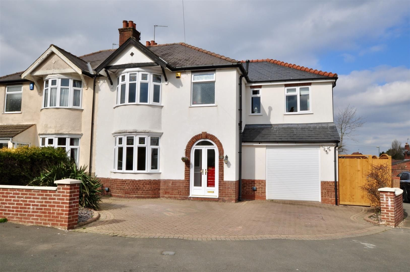 4 bed semi-detached for sale  - Property Image 25