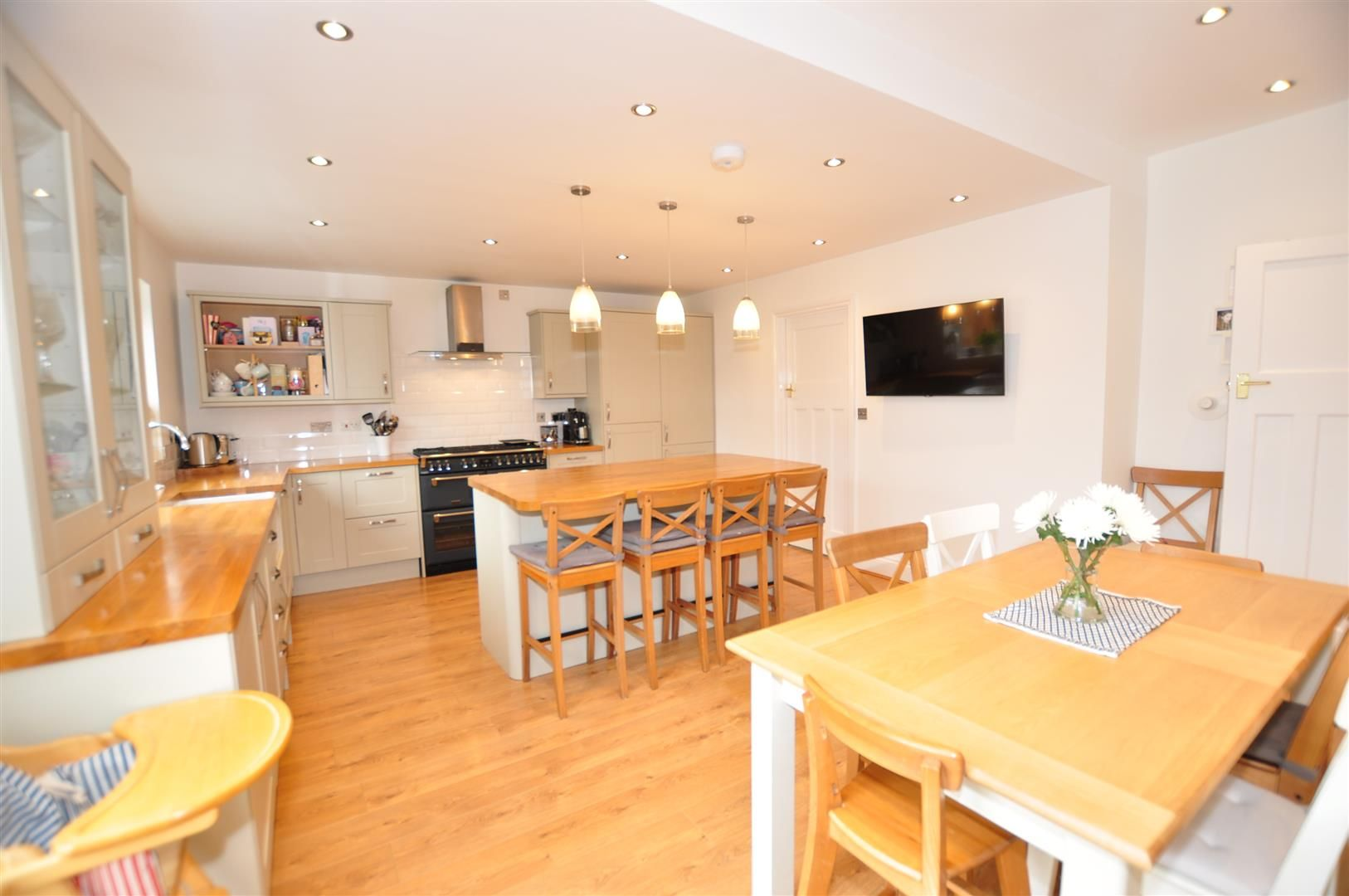 4 bed semi-detached for sale 5