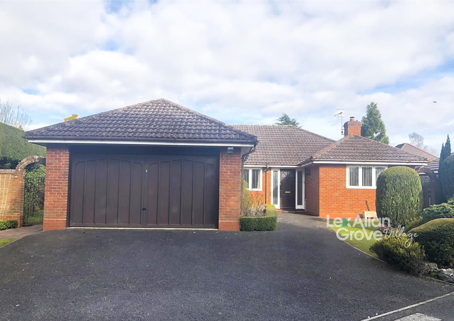 3 bed detached-bungalow for sale in Hagley, DY9