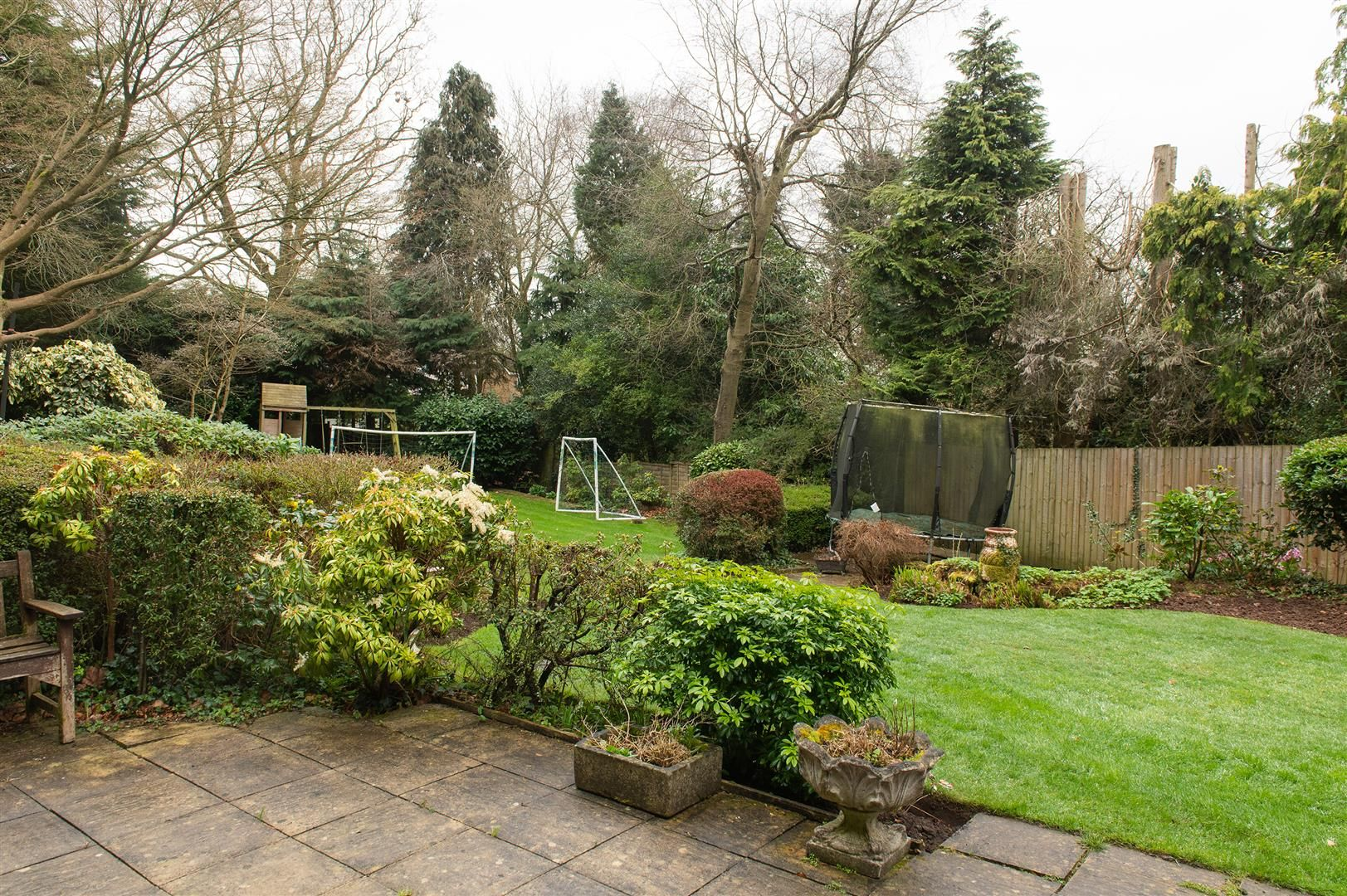 5 bed detached for sale in Hagley 25