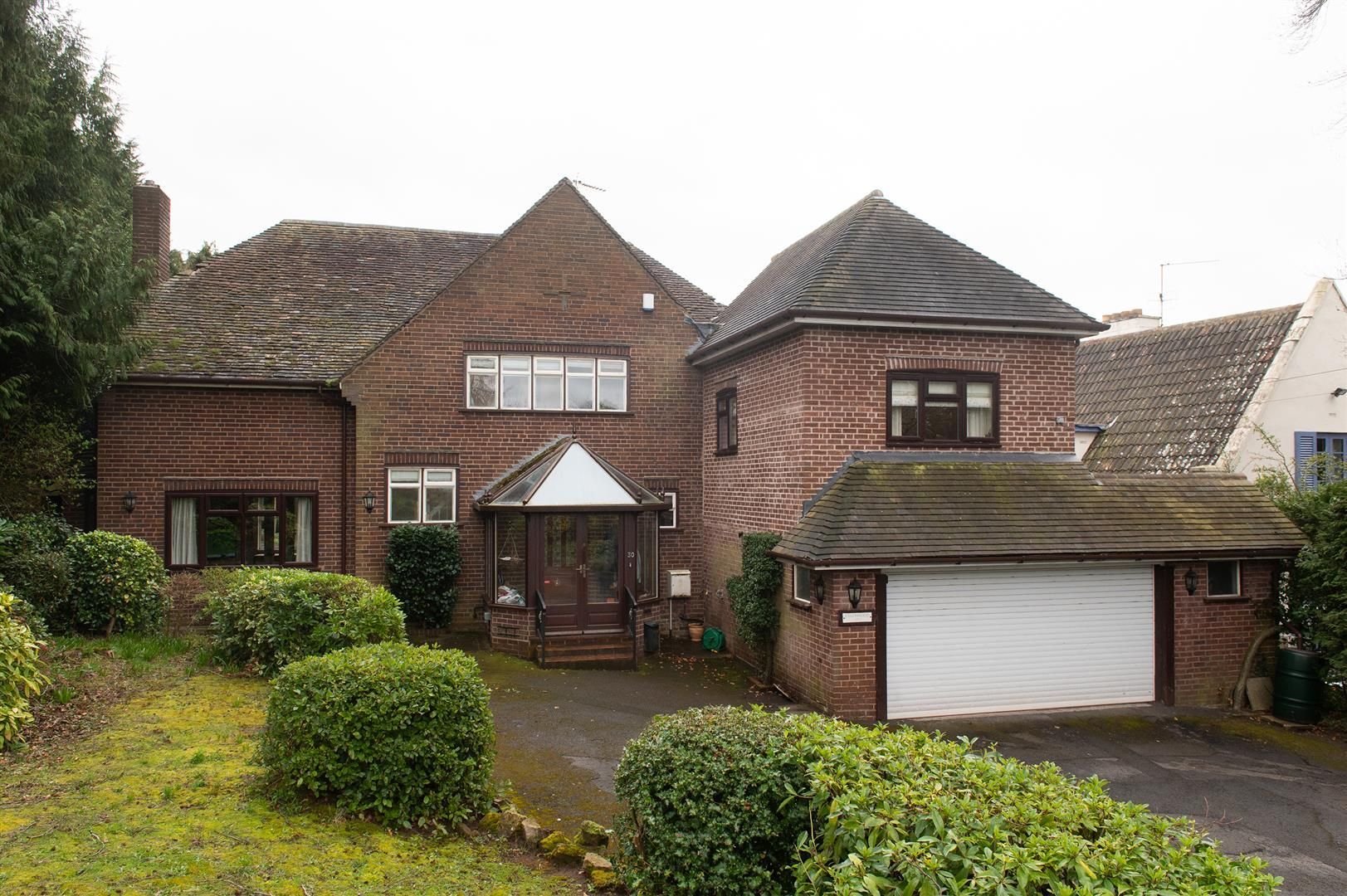 5 bed detached for sale in Hagley 27