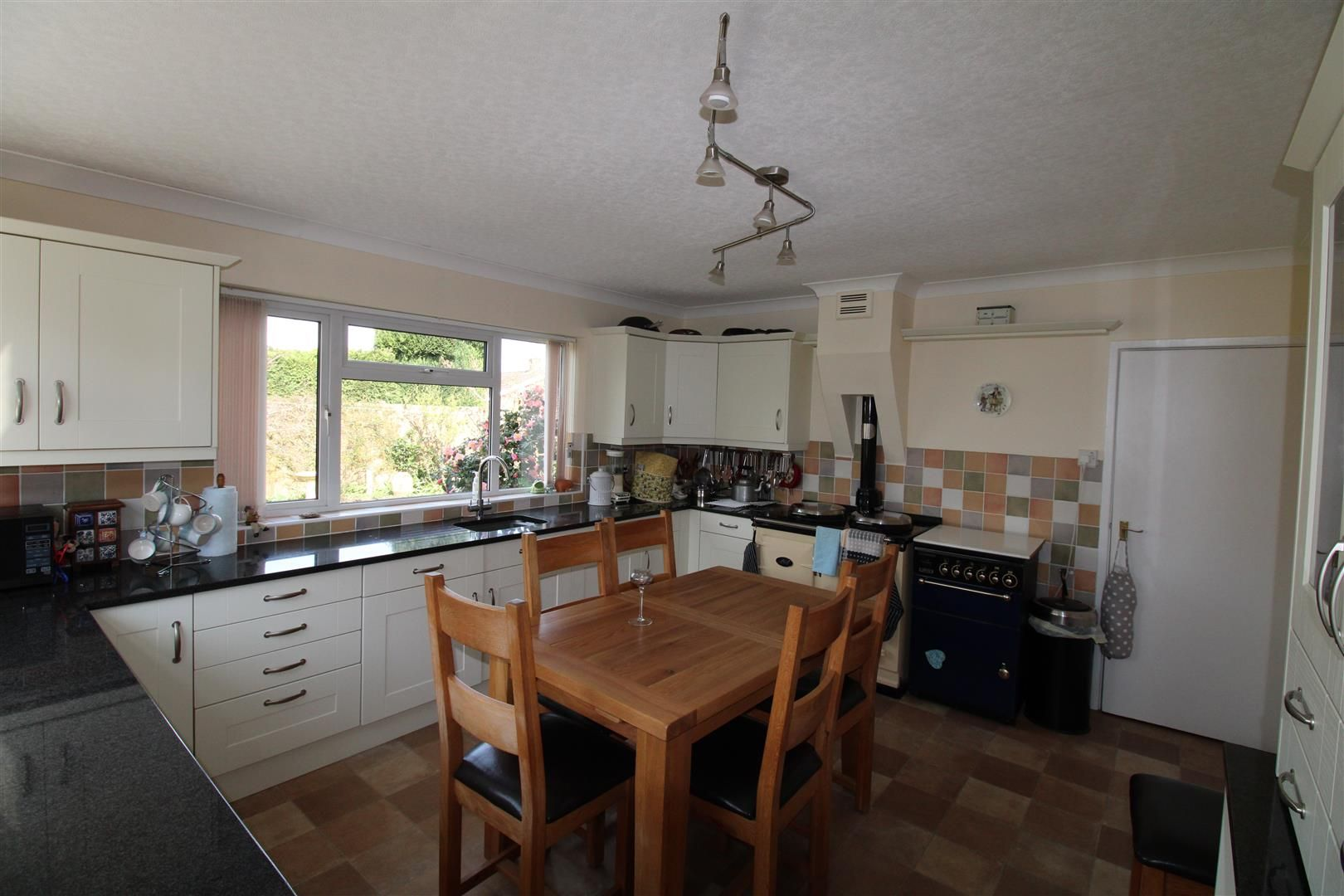 3 bed detached-bungalow for sale  - Property Image 9