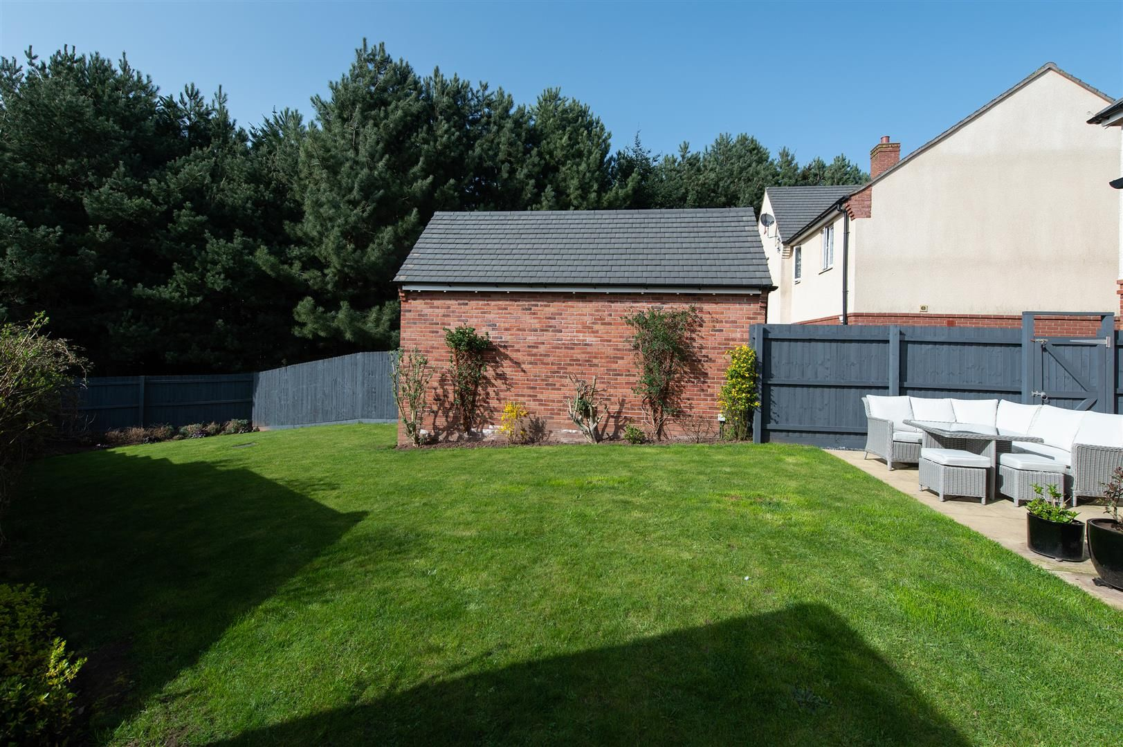 3 bed detached for sale in Hagley 26