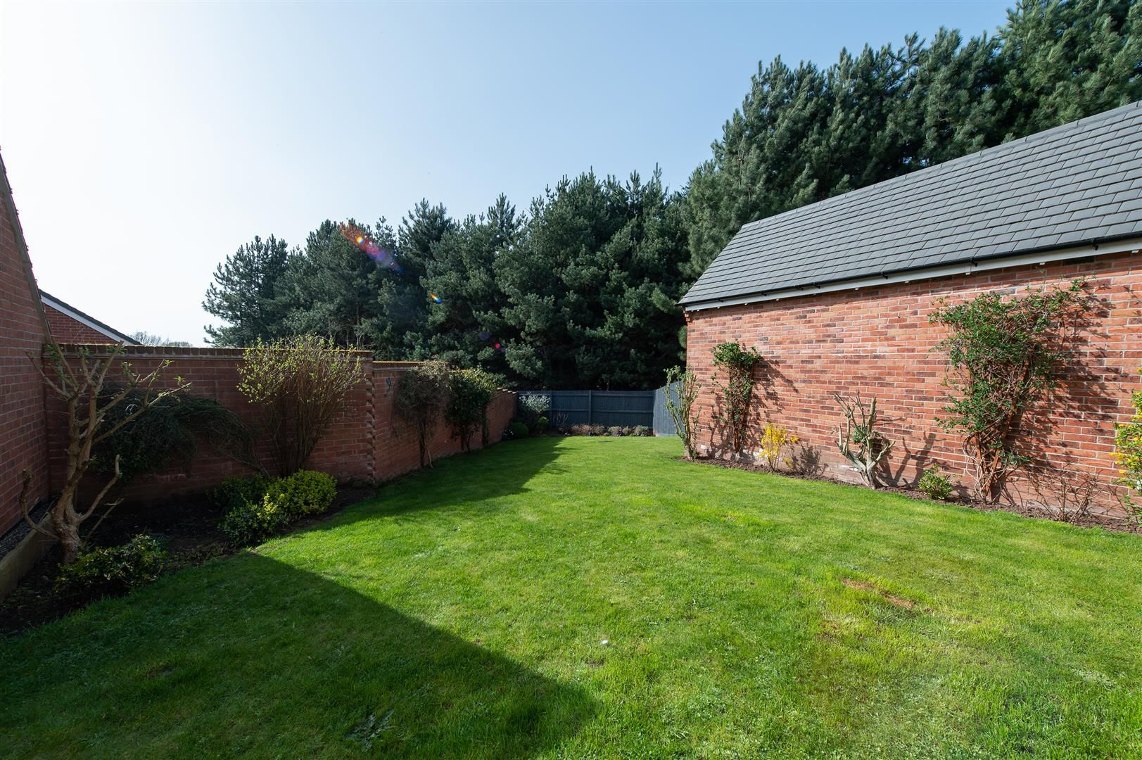 3 bed detached for sale in Hagley 27